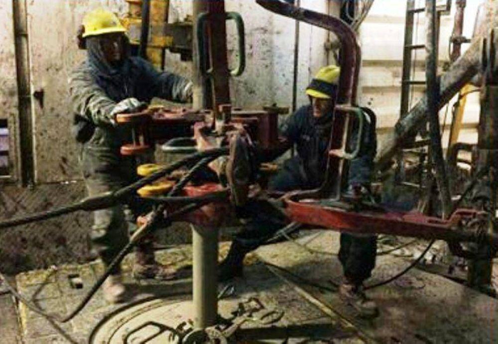 Paro de trabajadores en una empresa de servicios petroleros, por deuda salarial