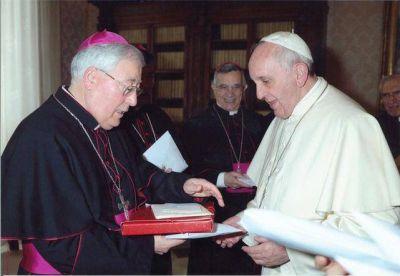 El obispo Reig Pla plantea que la Iglesia no debe rendirse al estilo de vida actual