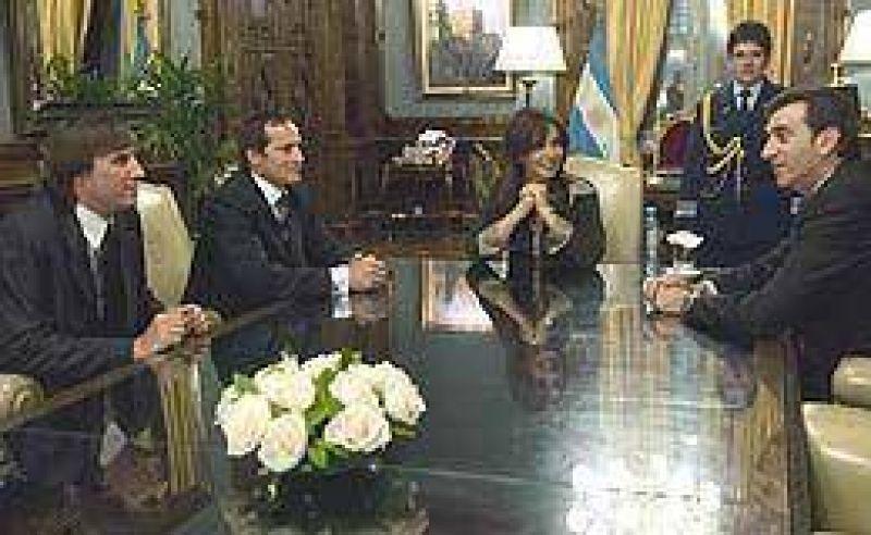 """La Presidente recibió a """"Camau"""" Espínola"""