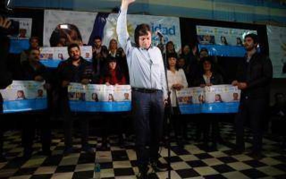 Con la presencia de Máximo Kirchner, se presentó la lista de Unidad Ciudadana en Quilmes