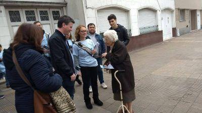 Federico Martelli encabezó una caminata con más de 100 voluntarios por barrio Hipódromo