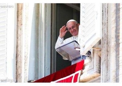 Ángelus del Papa: Dios fecunda la historia