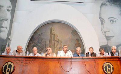 Con la participación de todos los movimientos, la CGT arma el plenario del viernes, en Ferro