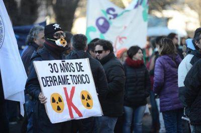 ADOSAC en paritarias estériles, ATE de huelga, Salud y Judiciales siguen de paro