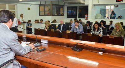 El Concejo reinició sus sesiones y encomendó más obras de pavimento