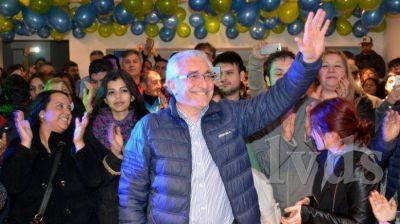 Carlos Prades desafía a un debate a todos los precandidatos a senadores