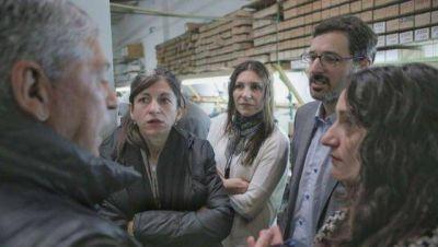 Unidad Ciudadana recorrió otras dos históricas fábricas moronenses, Olmo y Nivel Uno