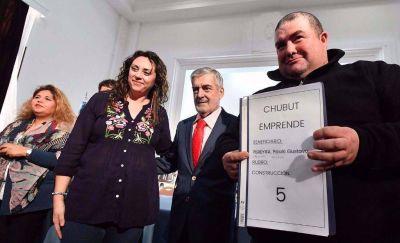 Das Neves: «En Chubut inventamos mecanismos para mantener los empleos y generar nuevos»