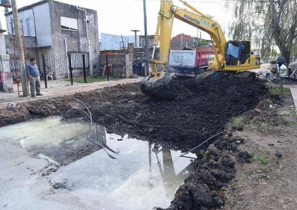 Katopodis recorrió nuevas obras de pavimentación en Loma Hermosa