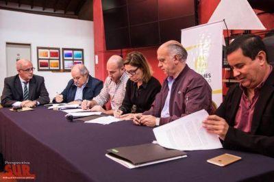 Molina firmó acuerdo para luchar contra la corrupción en la gestión pública