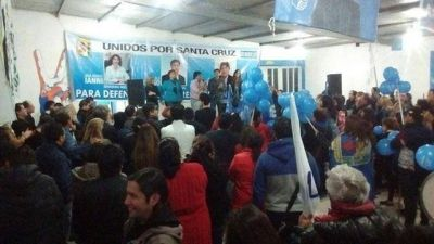El FPV visitó Las Heras con críticas a Macri