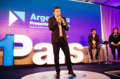 Ariel Ciano inauguró el Seminario del equipo económico de 1 País
