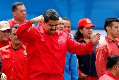 El caos es total en Venezuela y EE.UU. le da órdenes a su personal diplomático