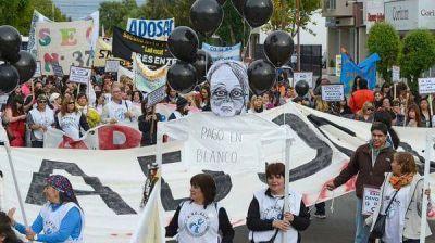 Santa Cruz: medio año sin clases y soluciones a cuenta gotas