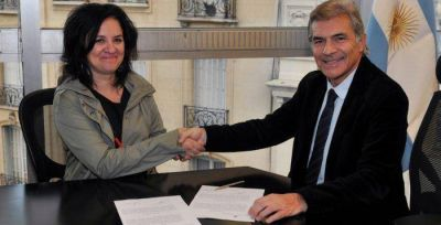 Argentina entregó documentos históricos al Museo del Holocausto