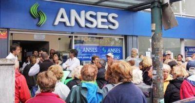 Otra alarma para el mundo sindical: el Gobierno va por una reforma previsional