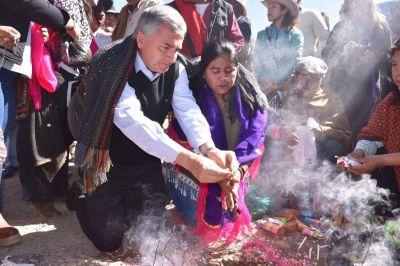Morales participó del ritual a la Pachamama