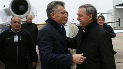 Unidos por la coparticipación, los gobernadores buscan plantarse ante Macri