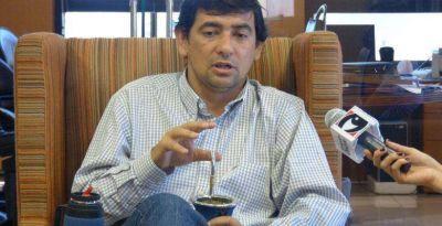 Losada asegura que al municipio apenas le alcanza para pagar sueldos y que Yacyretá dejó de invertir en Posadas