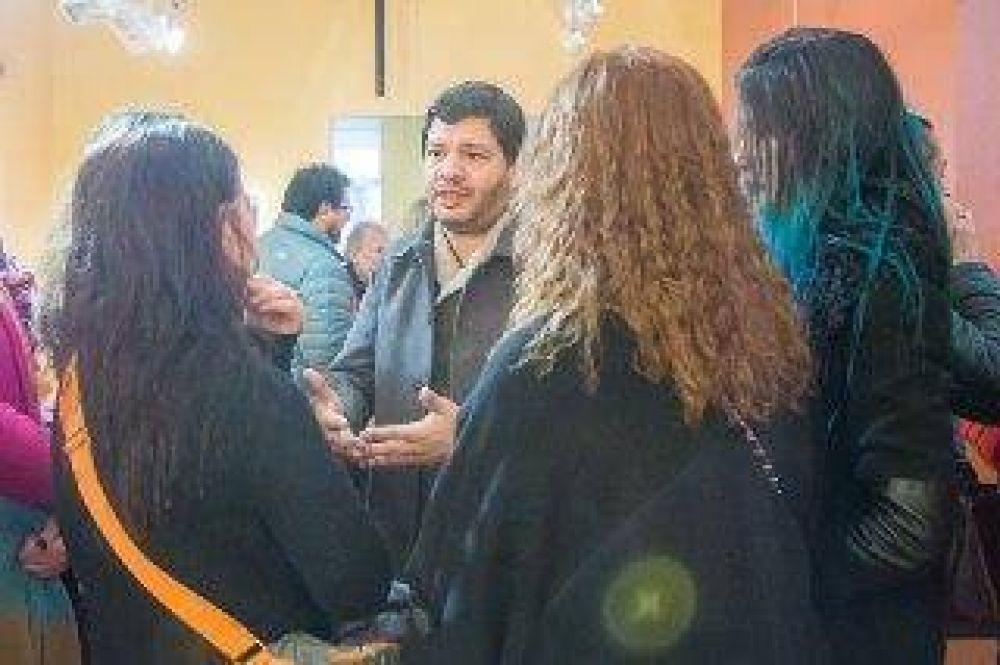 Cultura: David Ferreyra se reunió con el personal