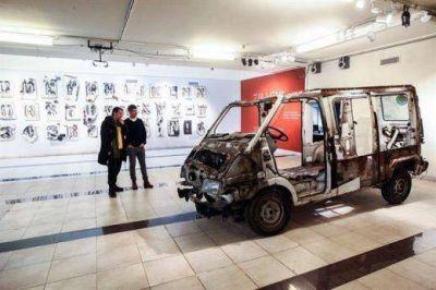 Trafic, en AMIA: una muestra que inquieta, en el aniversario del atentado