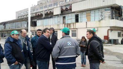 """""""Cachorro"""" Godoy recorrió el aeropuerto de Ezeiza junto a los trabajadores de ATE Anac"""