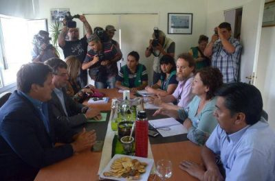 El gobierno insiste que se está cumpliendo el acta firmada con los gremios