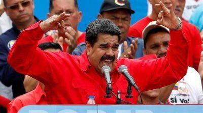Maduro acusó el golpe: atrasó un día la Constituyente y cambió a su canciller
