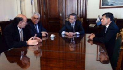 Pichetto se planta ante Macri y blinda a Menem