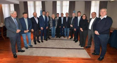 Los gobernadores del PJ mostraron fortaleza y le declaran la guerra a Buenos Aires