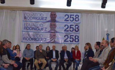 """""""Cuidemos Olavarría"""" presentó su lista de precandidatos"""