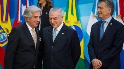 Tabaré Vázquez enfrenta duras críticas de su partido por la expulsión de Venezuela del Mercosur