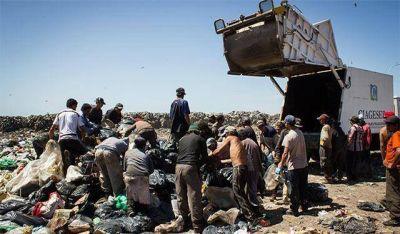 Denuncian que se arrojan residuos patológicos en el basural