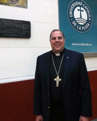 El obispo Bochatey, directivo en la Pontificia Academia para la Vida