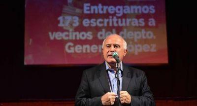 Entregaron escrituras en el departamento General López