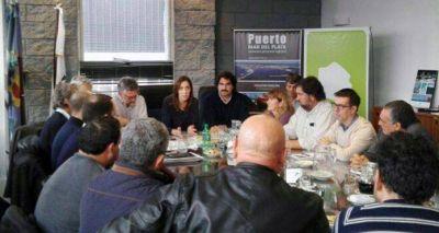 Vidal se reunió con los gremios y ratificó asistencia para el Puerto