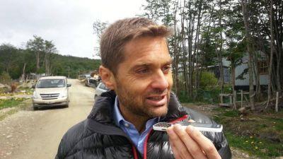 """Sciurano: """"Me preocupa la falta de información"""" sobre Tierra del Fuego"""
