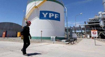 YPF confirmó que invertirá menos