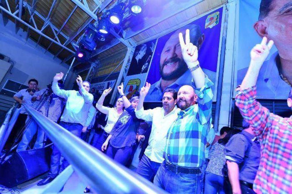 """Insfrán exhortó a """"llenar las urnas con la boleta azul"""" en las PASO del domingo"""