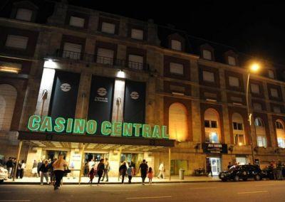 Instalan desfibriladores en el Casino de Mar del Plata