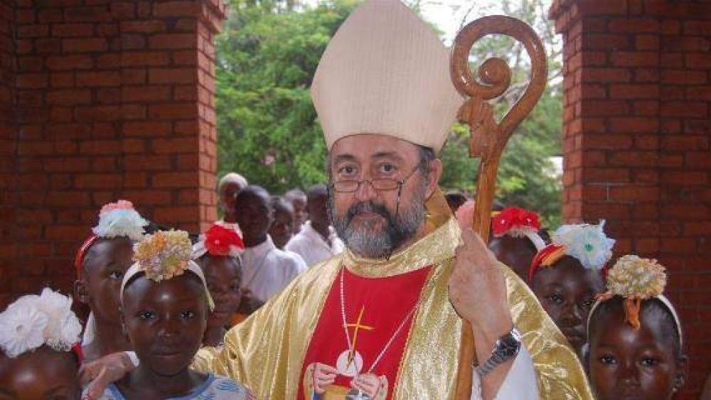 """El obispo de Bangassou: """"Están degollando hombres y niños"""""""