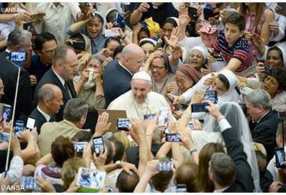 Papa: El corazón de Cristo encarna y revela el corazón de Dios