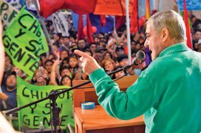 Das Neves junto a Arcioni cerró la campaña ante más de 3.000 personas en Trelew