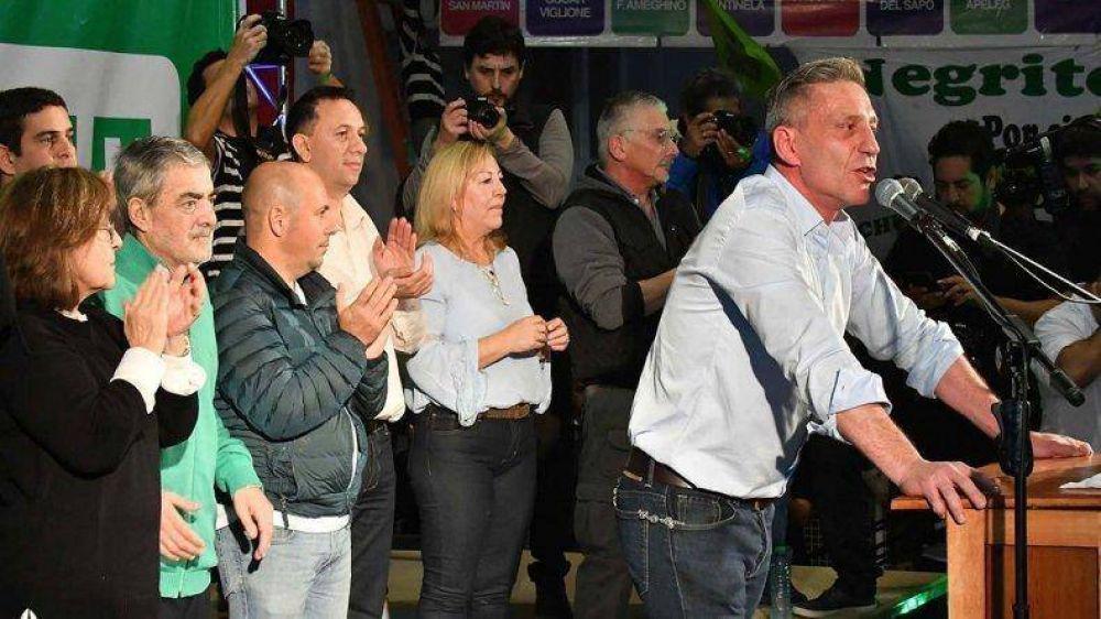 Arcioni cerró su campaña ante más de 3.000 personas