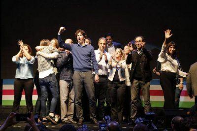 Lousteu cerró criticando al oficialismo y a la oposión