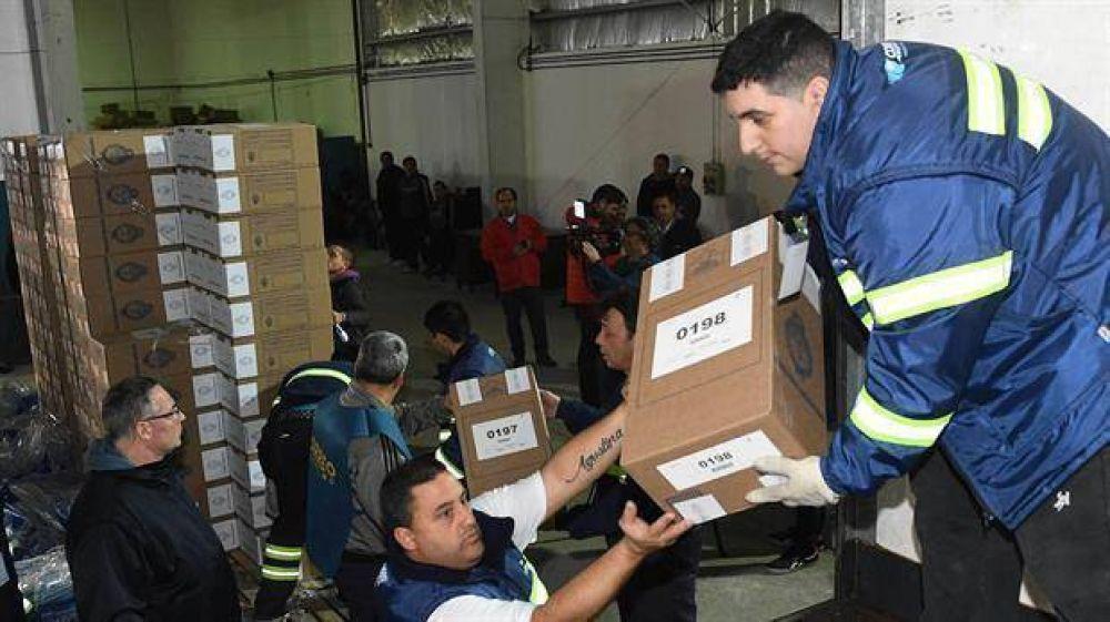 PASO: comenzó el operativo de distribución de urnas en los grandes centros urbanos
