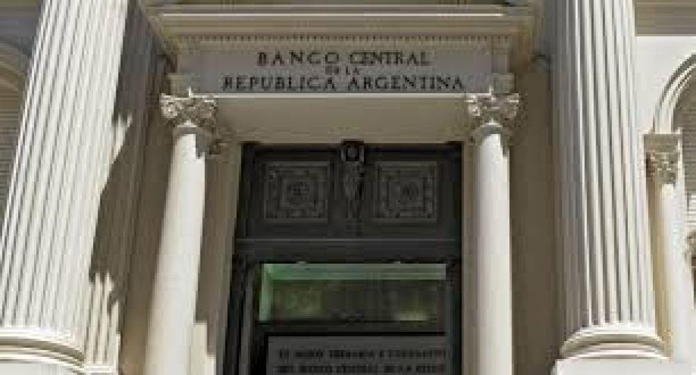 Análisis: Los tres escenarios del dólar según los votos que saque Cristina