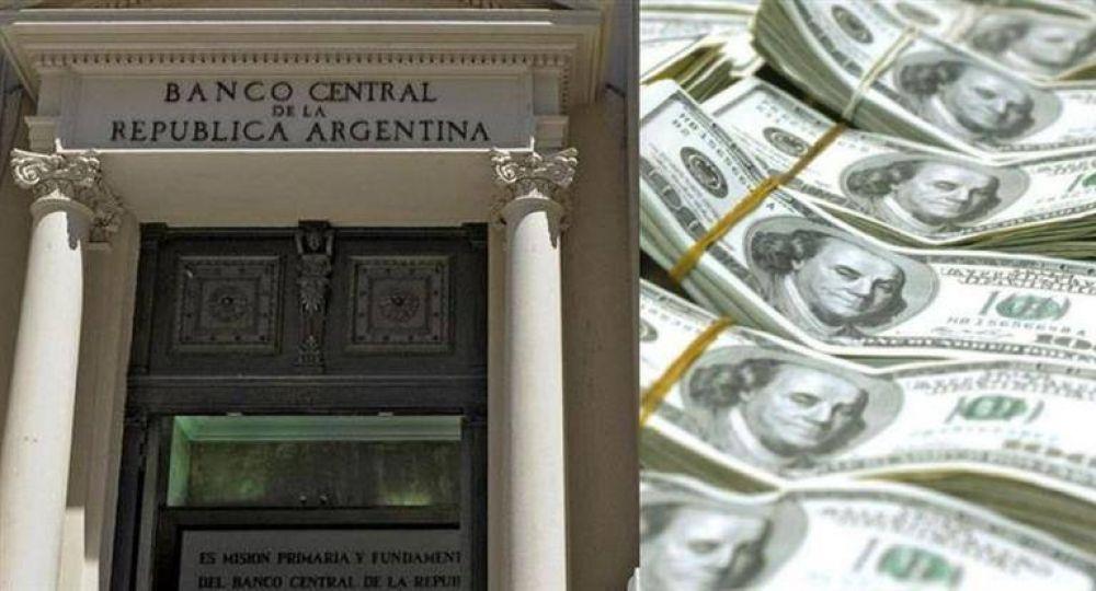 El BCRA tuvo que vender en la semana casi u$s 1500 M para dejar el dólar electoral en $ 18