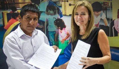 Acuerdo en Perú entre la cúpula gremial el Ministerio de Educación para levantar el paro