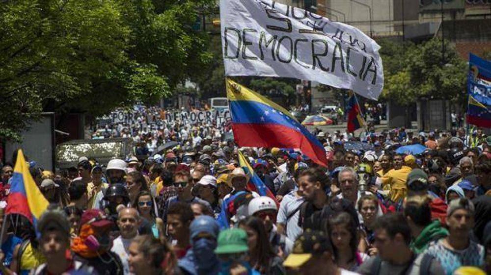 La Constituyente adelanta las elecciones regionales y complica a la oposición